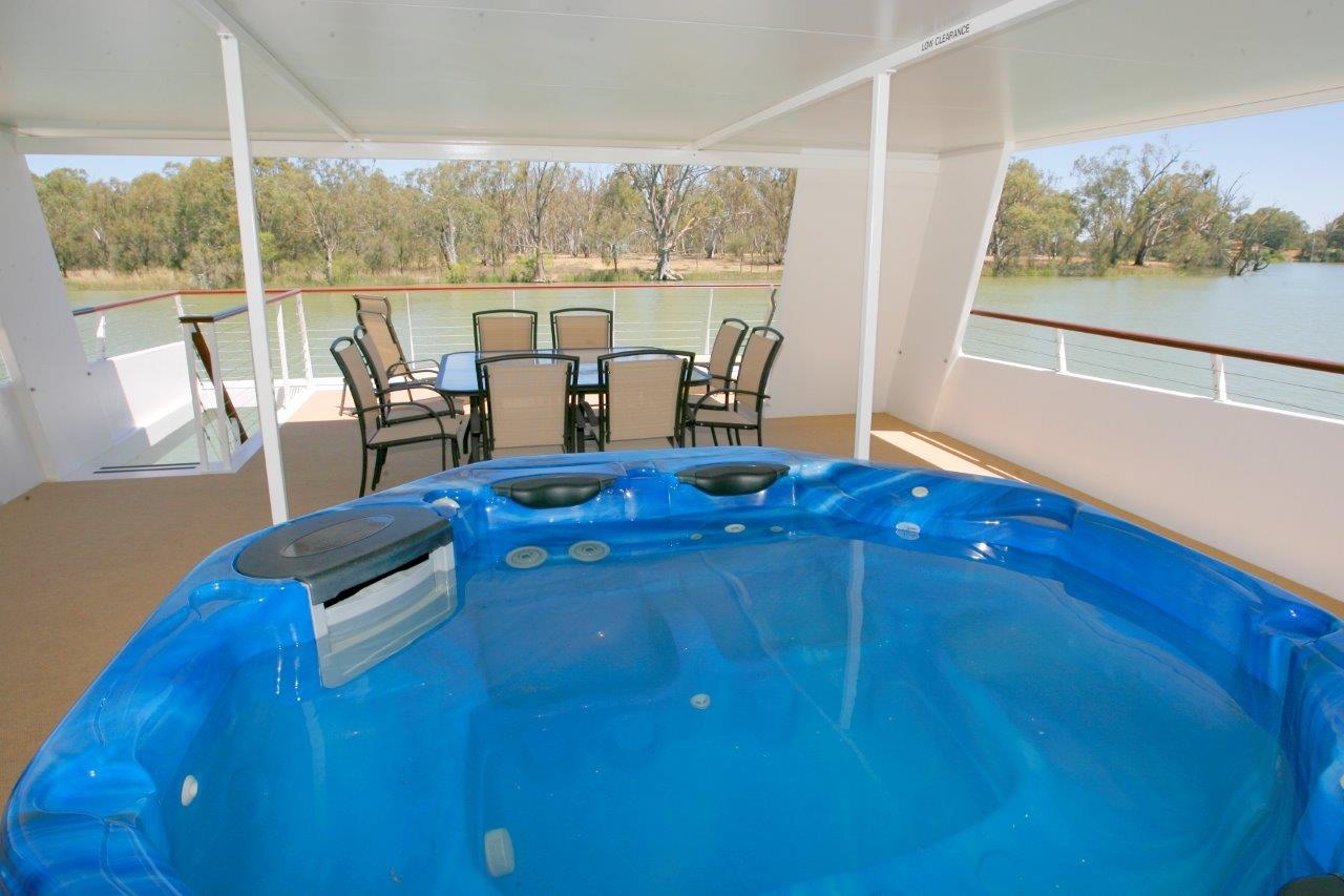 Sunraysia Resort | Houseboat accommodation | Mildura