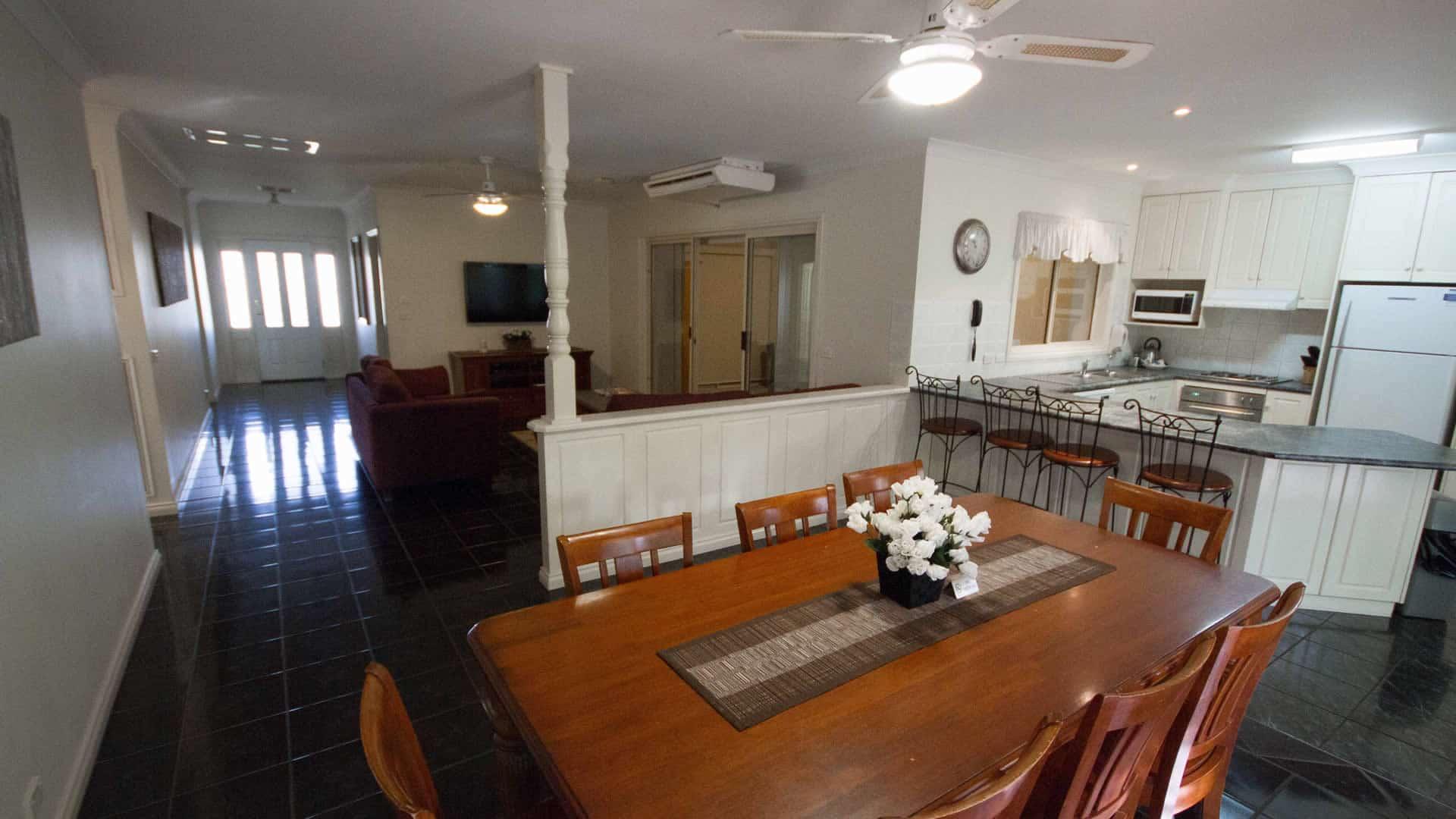 House Rental   Four Bedroom House for rent   Mildura   Sunraysia Resort